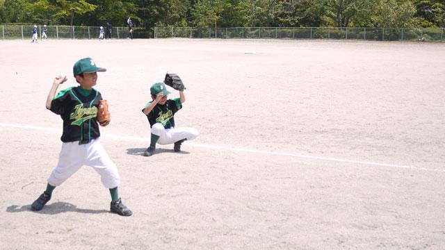 低学年のみ練習試合前の練習風景01
