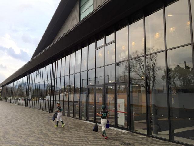 新生・松江市総合体育館の入り口までの道のり