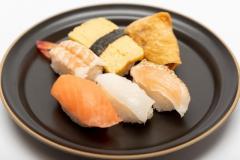 「回転寿司」でよく食べるネタランキングTOP10! 第1位は10年連続で「サーモン」