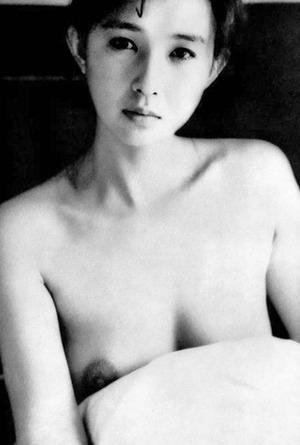 秋吉久美子ヌード画像 (26)