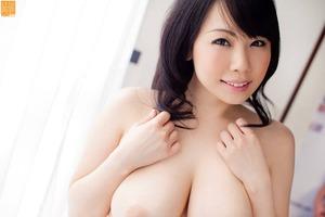 momo-ogura-001