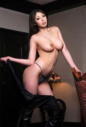 秋吉ひな (7)