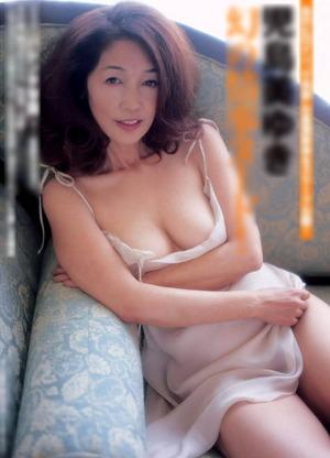 児島美ゆき ヌード画像 (2)