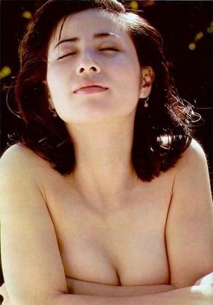 岡江久美子 (32)