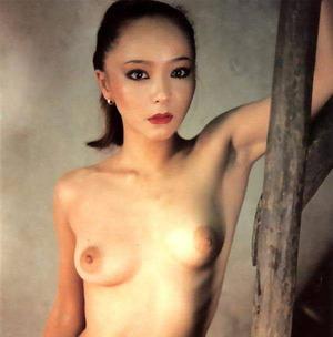 三東ルシア ヌード画像 (8)