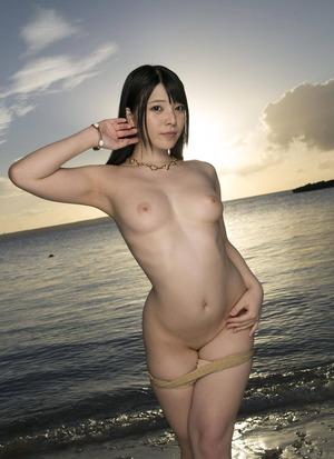 上原亜衣 ヌード画像 (8)