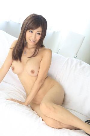 秋野千尋 ヌード画像 (1)
