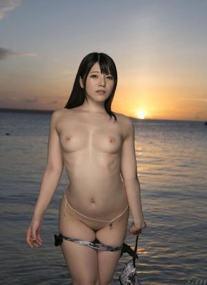 上原亜衣 ヌード画像 (9)