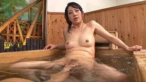 朝宮涼子 (22)