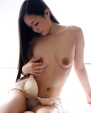 天野小雪 ヌード画像 (4)