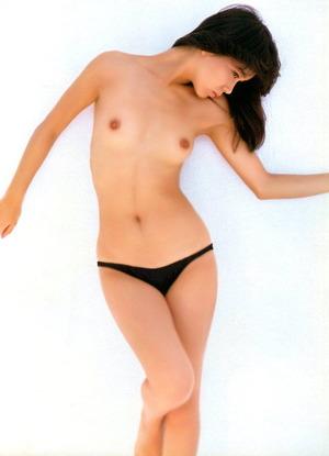 山本奈津子 ヌード画像 (15)