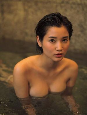 出口亜梨沙 ヌード画像 (6)