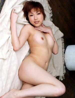 菊原まどか ヌード画像 (11)