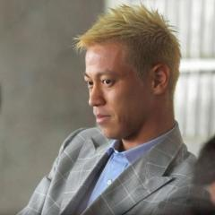 本田圭佑が足に違和感、実戦起用へ2〜3週間見込み