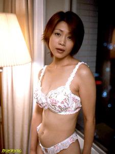 jp_images_album_tomoda-maki_tomoda-maki005