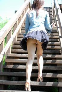 jp_chichishirimomo_imgs_5_1_51c39529