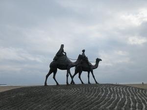 御宿、5月の砂漠の像