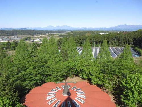 IMG_6999浴場屋根と連山