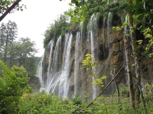 プリントヴィッツ国立公園の滝