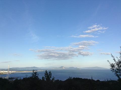 墓地から見下ろす瀬戸内海