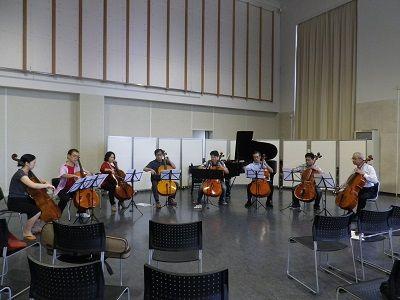 チェロ八重奏