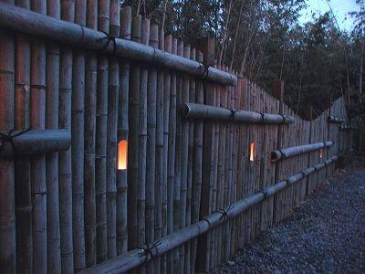 竹垣とロウソク