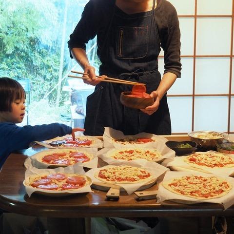 ミュージックキャンプ2019ピザの用意 (1)