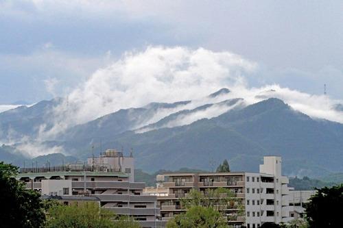 IMG_9168 戸倉三山刈り寄せの雲4日