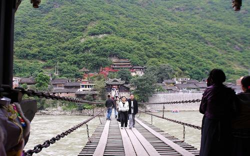 大渡江濾定吊り橋