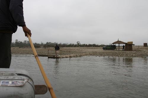 IMG_1044ナラヤニ河を渡りチトワンへ
