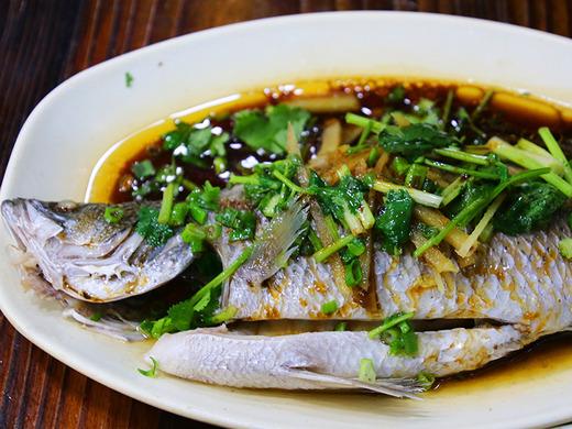 鮮魚の蒸し物@香港