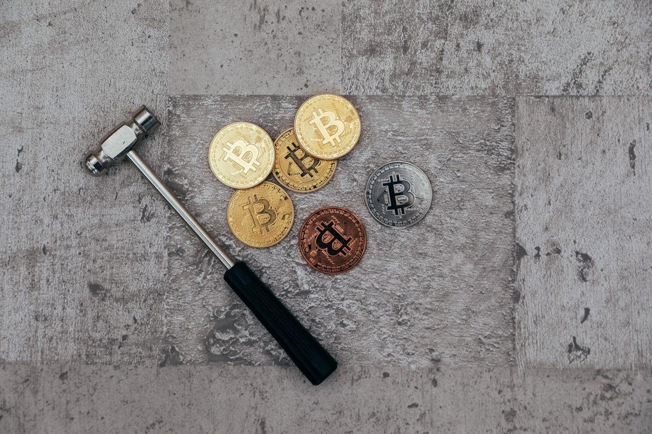 ビットコイン暴落でマイニングプラントのたたき売りが始まる。今が買いどきだな。   NEWSPRESS