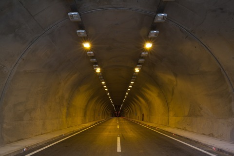 tunnel-2325753_1920