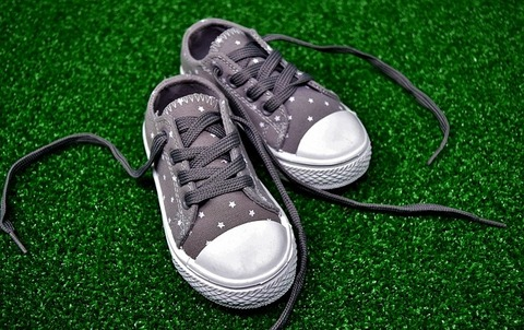 childrens-shoes-3036292_640