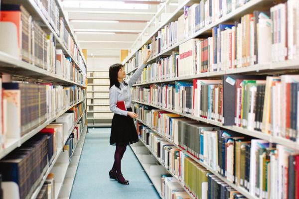 図書館などの公共施設利用カード、マイナンバーカードに一本化キタ━(゚∀゚)━!!