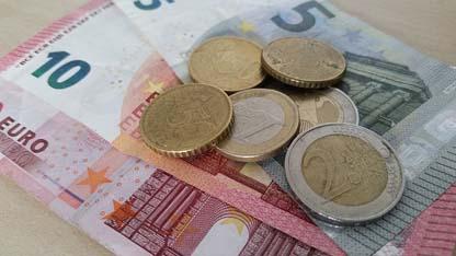 money-880210_640