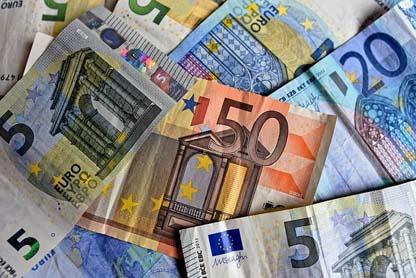 money-3481699_640
