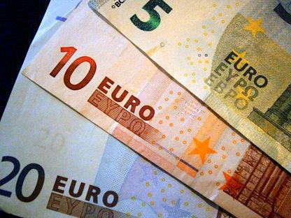 money-209738_640