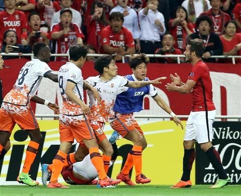 サッカー韓国―浦和戦での済州選手の暴力行為