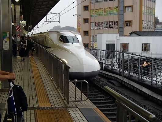 のぞみ新横浜駅20160923
