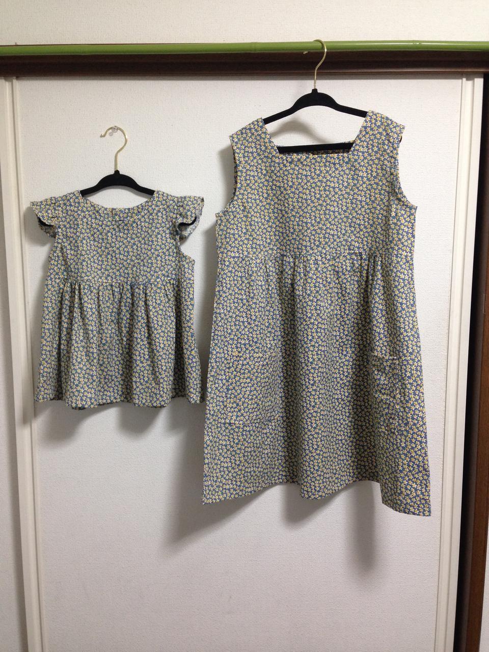 8e45f00609153 同じ生地でフリル付きチュニックを、朝井牧子さんの「ハンドメイドベビー服enannaの80~90センチサイズのかわいいお洋服」を見て作りました。