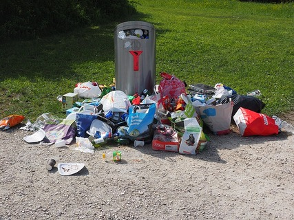 garbage-can-1260832_640