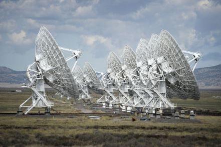 カール・ジャンスキー超大型鑑賞電波望遠鏡