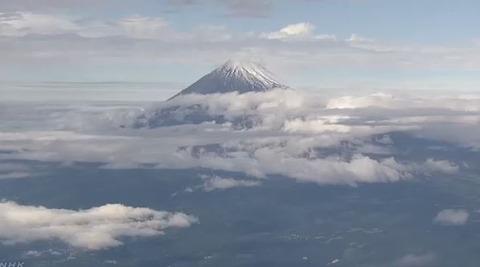 富士山 初冠雪10月22日