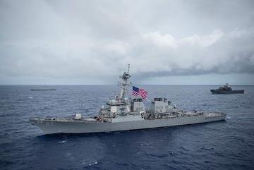 イージス駆逐艦「マスティン」,「ベンフォルド」