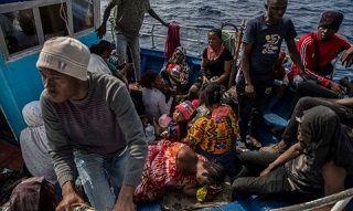 強行入港した移民40人