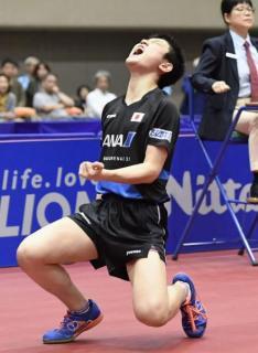 卓球14歳張本、世界1位に勝つ