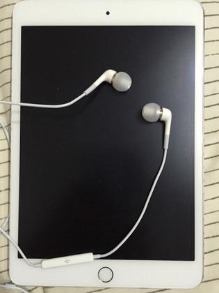 Appleのカナルイヤホン