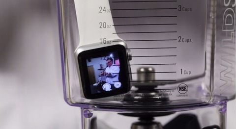 ミキサーの中に入ったApple Watch