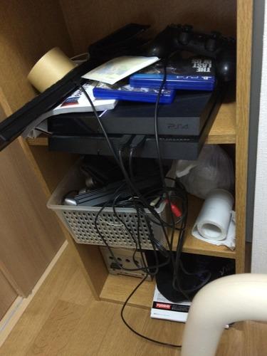 据置型ゲーム機を置いてる画像